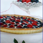 crostata all'uva americana e fragole