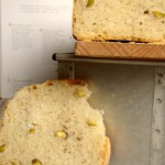 pane in cassetta ai pistacchi e toast al tonno profumato