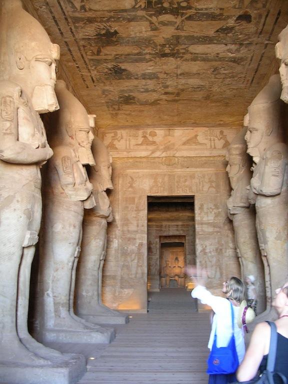 corridoio d'ingresso dedicato a Ramses e Osiride