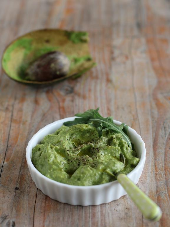 pesto avocado rucola noci macadamia