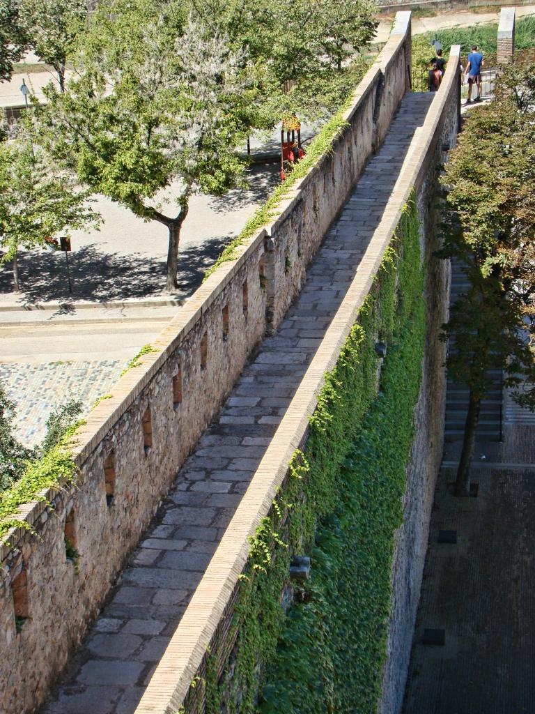Passeig de la muralla Girona