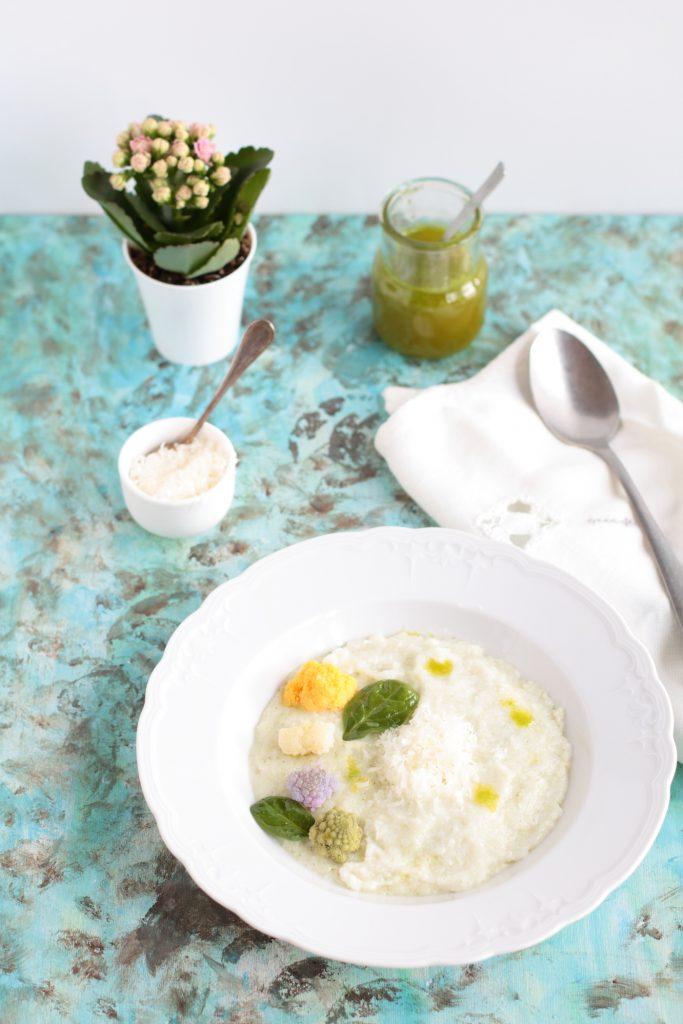 vellutata di riso con fiori di cavolfiore