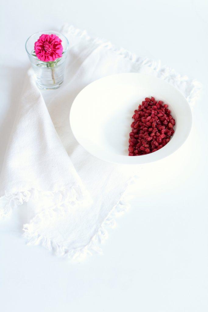 Confettura fragole crespino e lamponi
