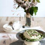 Tofu fatto in casa alla rucola e cipolla rossa