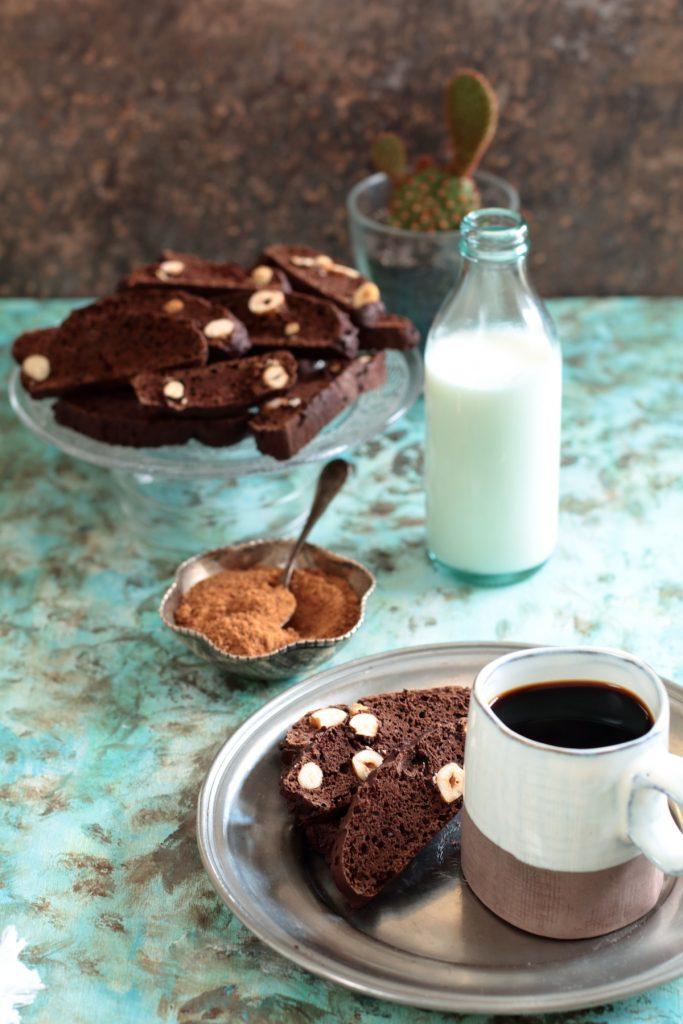 biscotti di carrube e nocciole